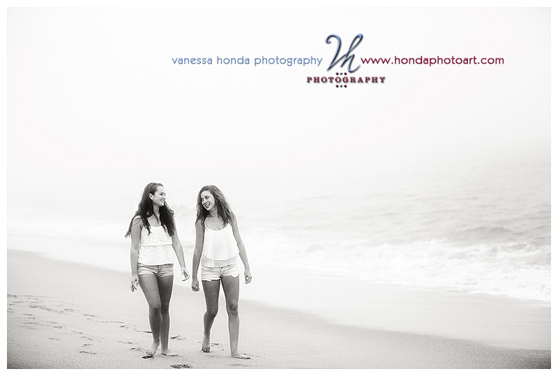 friends Senior portraits in Newport Beach_268