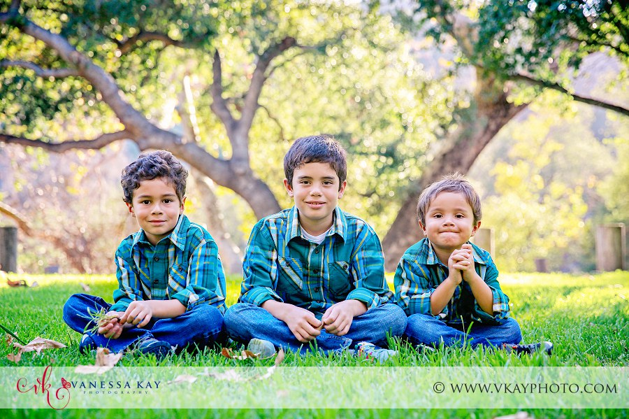 Family Portraits at Irvine Regional Park 6